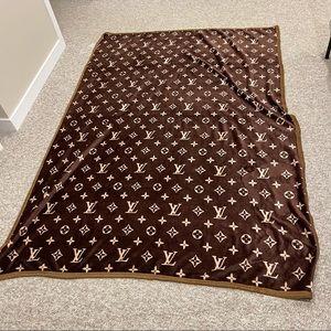 New Classic Blanket/Throw